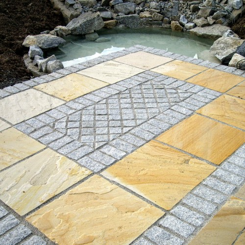 Indian Sandstone with Granite Cobbles